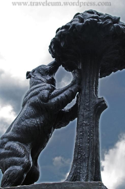 """Madryt: Niedźwiedzica i Drzewo """"Madroño"""""""