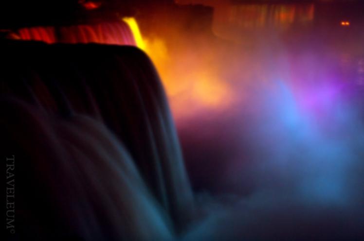 Niagara at night / Niagara nocą